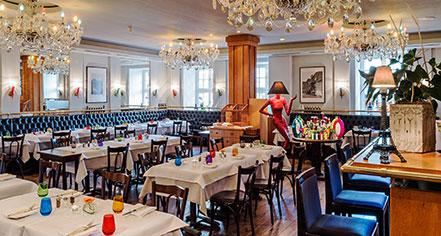 Dining at      Hotel Taschenbergpalais Kempinski Dresden  in Dresden