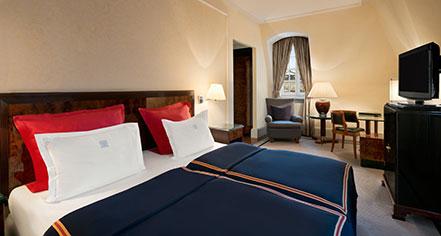Accommodations:      Hotel Taschenbergpalais Kempinski Dresden  in Dresden
