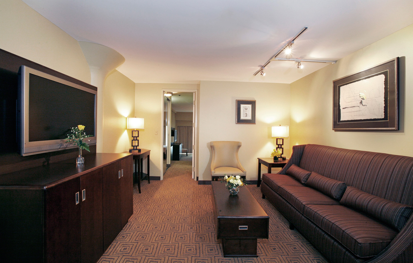 Customer Reviews:      Atheneum Suite Hotel  in Detroit