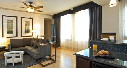 Accommodations:      Hotel Blackhawk  in Davenport