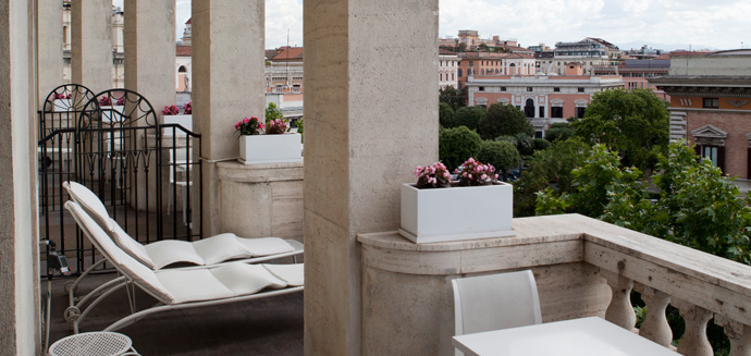 Activities:      Grand Hotel Palace  in Rome
