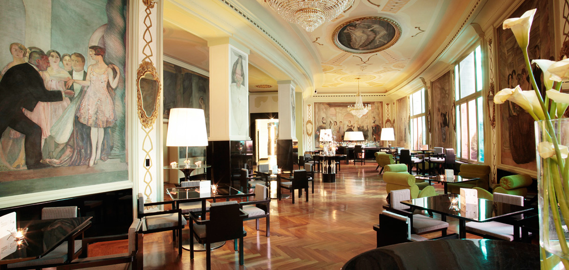 Dining:      Grand Hotel Palace  in Rome