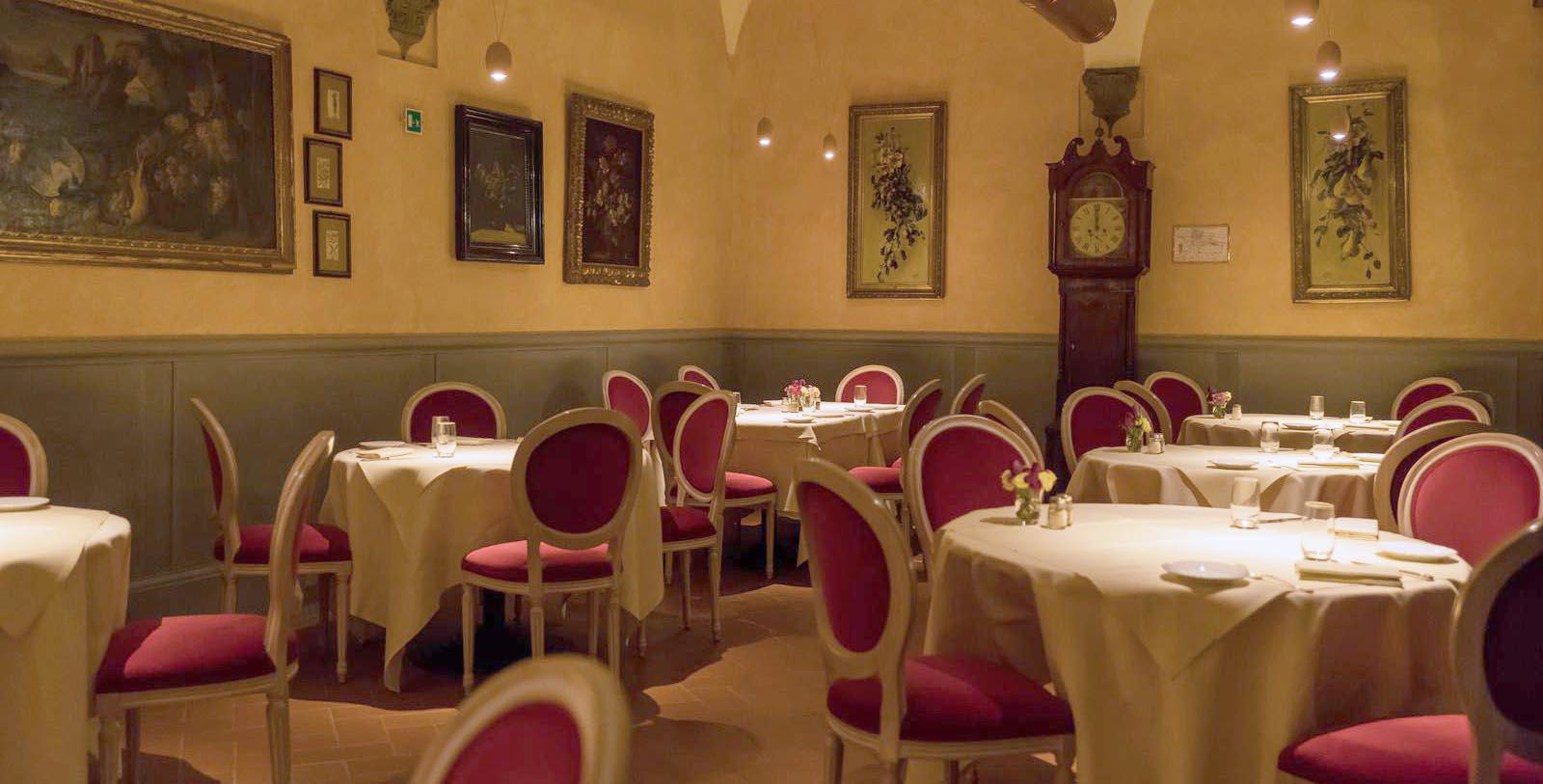 Image of La Chiostrina hotel restaurant Bernini Palace Hotel, 1500, Member of Historic Hotels Worldwide, in Florence, Italy, Taste