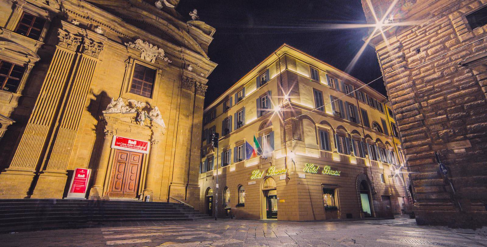 Image of hotel exterior Bernini Palace Hotel, 1500, Member of Historic Hotels Worldwide, in Florence, Italy, Special Offers, Discounted Rates, Families, Romantic Escape, Honeymoons, Anniversaries, Reunions