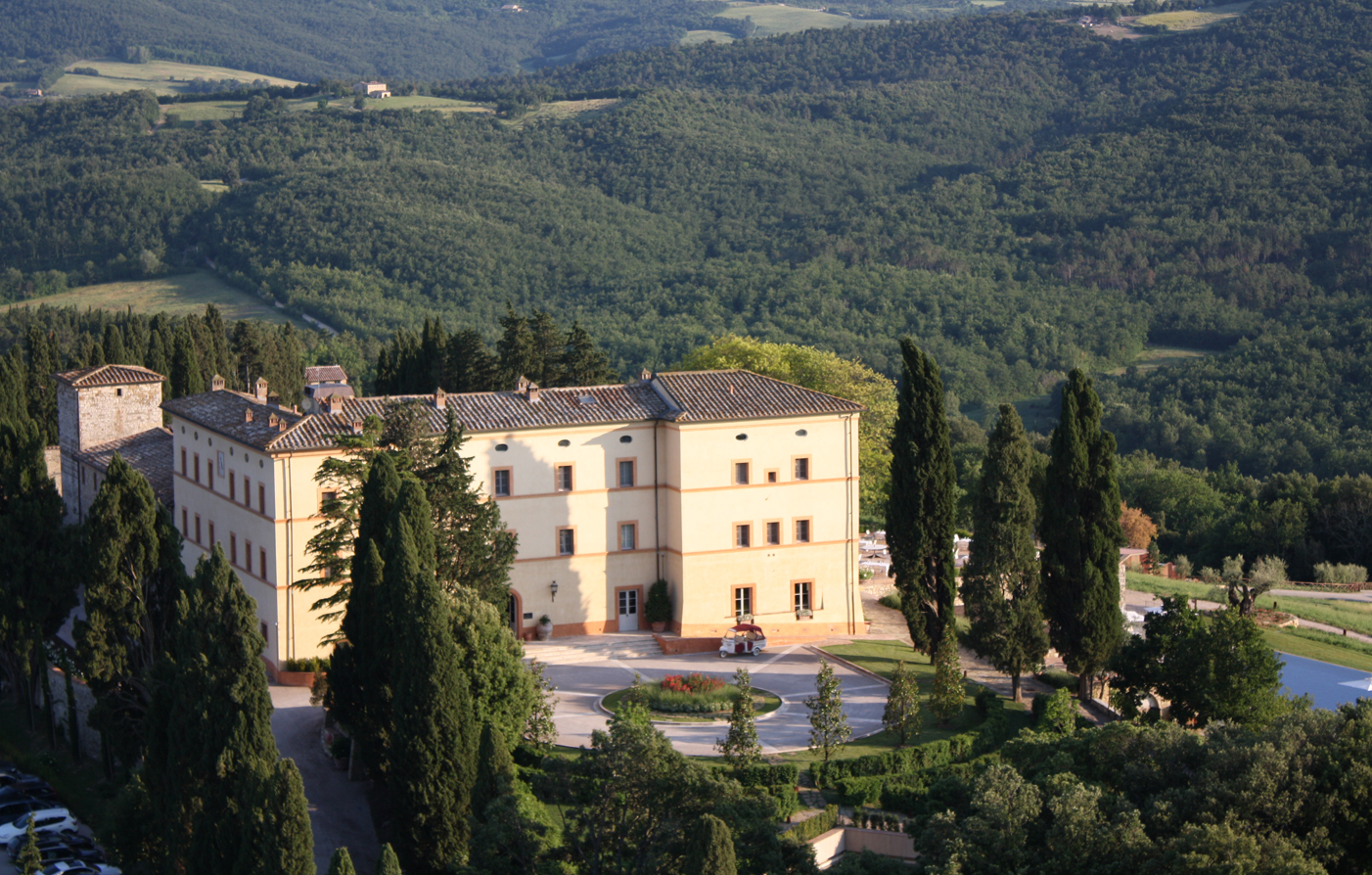 Special Offers:      Castello di Casole  in Siena