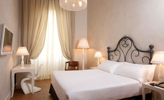 NH Collection Florence Porta Rossa  - Accommodations