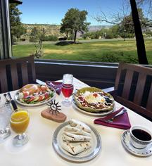 Hotel Bars & Restaurants in Grand Canyon, Arizona - El Tovar Hotel