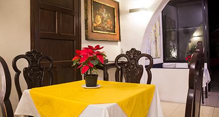 Dining at      Casa Madonna La Providence  in Guadalajara