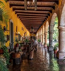 Dining at      Hacienda el Carmen Hotel & Spa  in Ahualulco de Mercado
