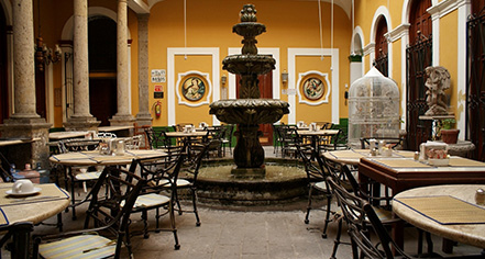 Dining at      Hotel San Francisco Plaza  in Guadalajara