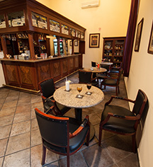 Dining at      Hotel Morales  in Guadalajara