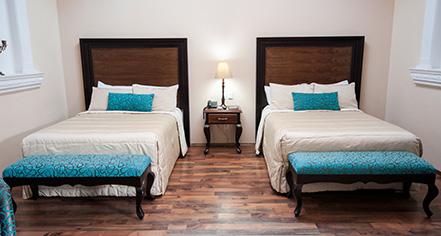 Accommodations:      Hotel Morales  in Guadalajara