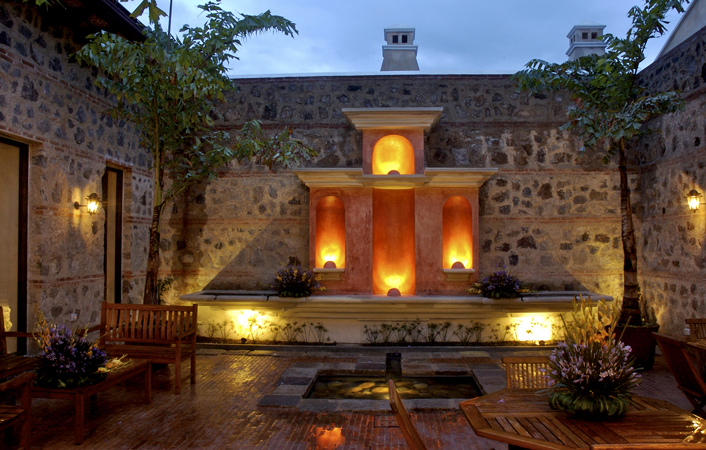 Activities:      Porta Hotel Antigua  in La Antigua