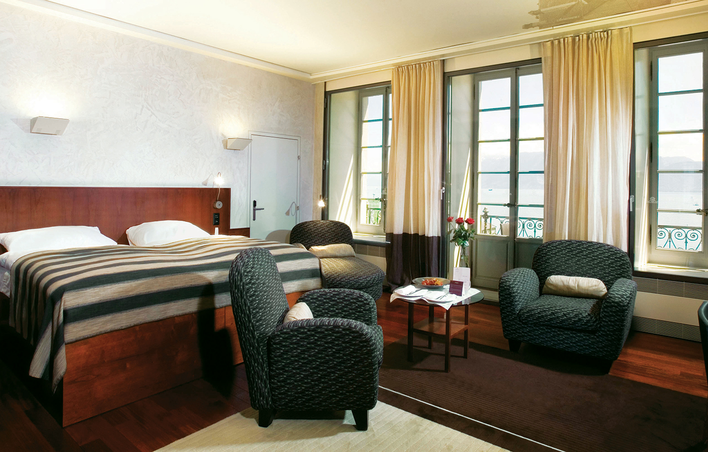 Accommodations:      Hotel Angleterre and Residence  in Lausanne-Ouchy