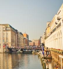 Event Calendar:      Reichshof Hamburg, Curio Collection by Hilton  in Hamburg