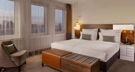 Accommodations:      Reichshof Hamburg, Curio Collection by Hilton  in Hamburg