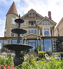 Historic Hotels of Lake Geneva  in Lake Geneva