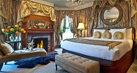 Accommodations:      Historic Hotels of Lake Geneva  in Lake Geneva