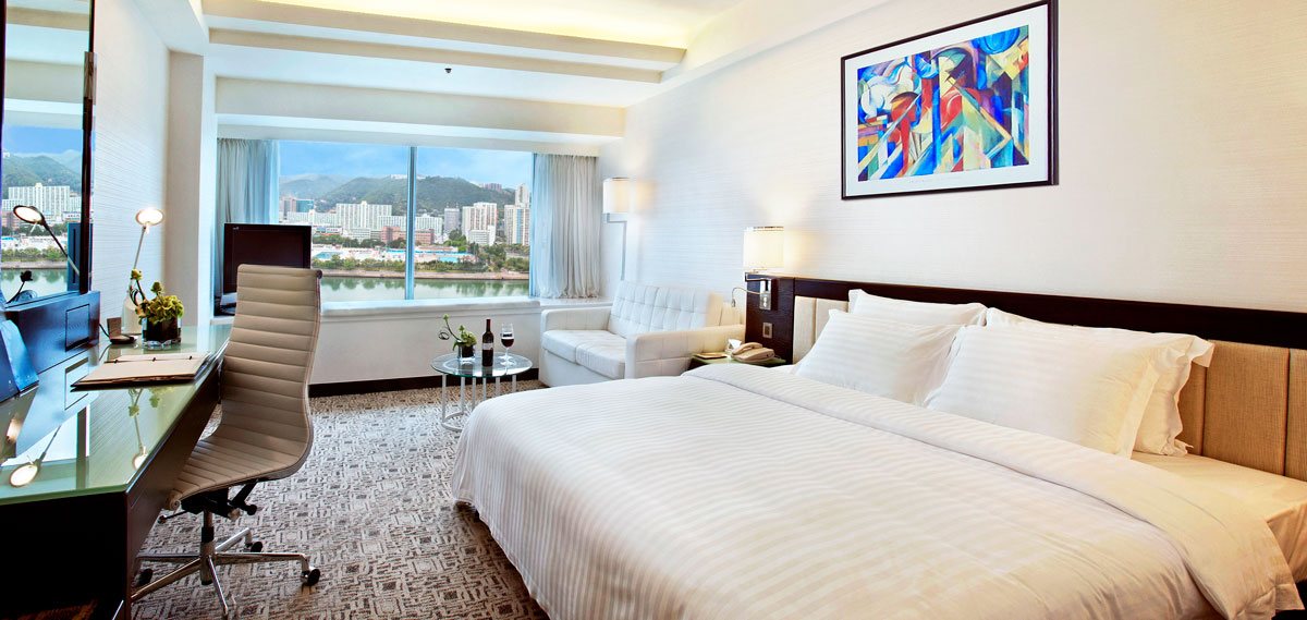 Accommodations:      Regal Riverside Hotel  in Hong Kong