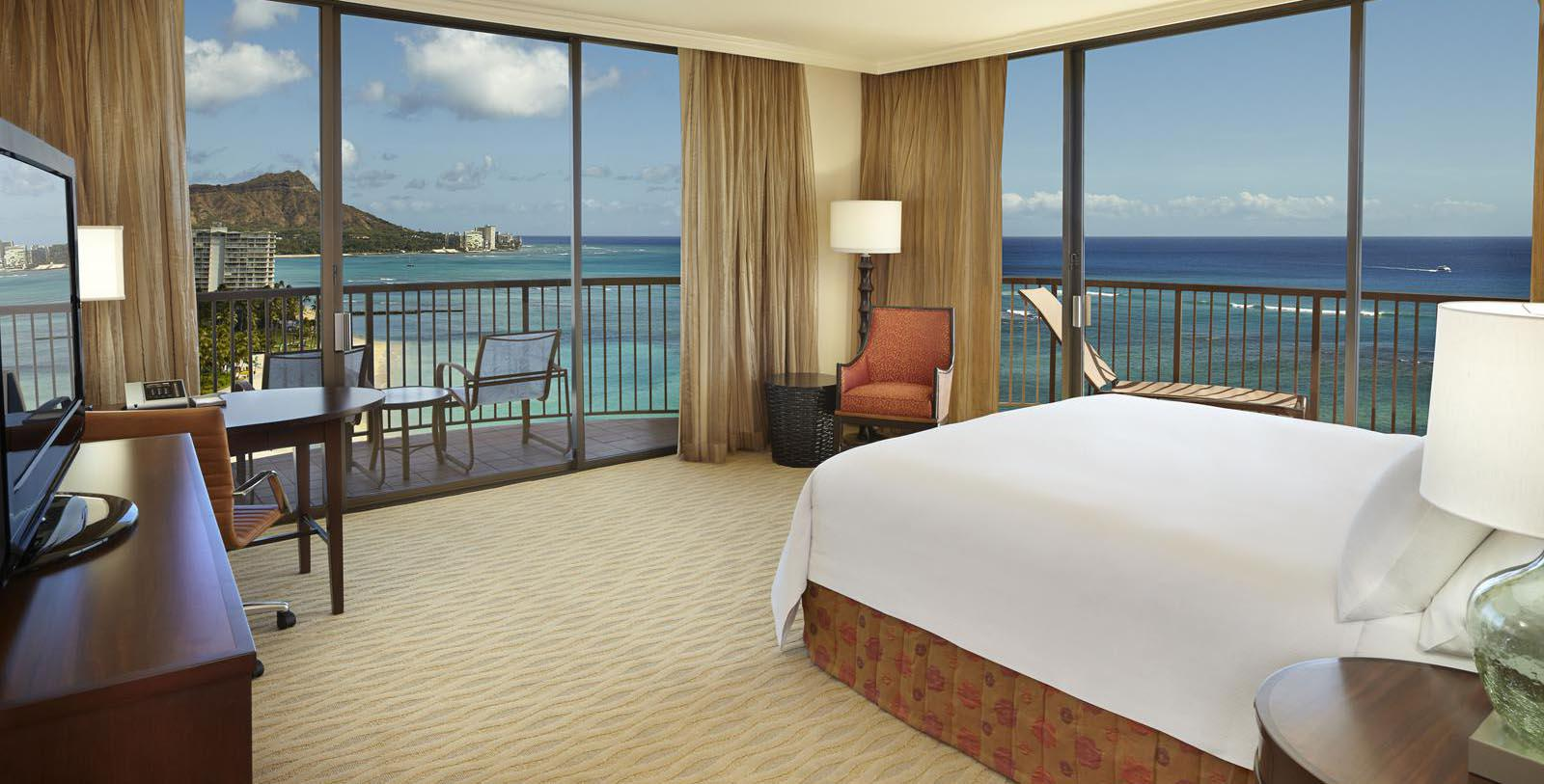 Image of guestroom Hilton Hawaiian Village® Waikiki Beach Resort, 1957, Member of Historic Hotels of America, in Honolulu, Hawaii, Location Map