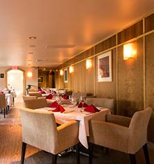 Dining at      Hilton Hawaiian Village® Waikiki Beach Resort  in Honolulu