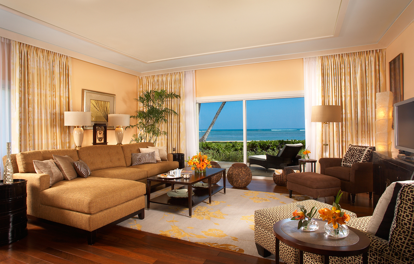 Accommodations:      The Kahala Hotel and Resort  in Honolulu