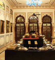 Dining at      Alsisar Mahal  in Jhunjhunu