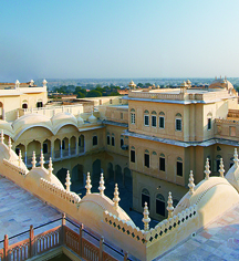 Local Attractions:      Alsisar Mahal  in Jhunjhunu