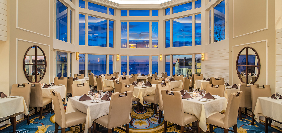 Dining:      Water's Edge Resort and Spa  in Westbrook