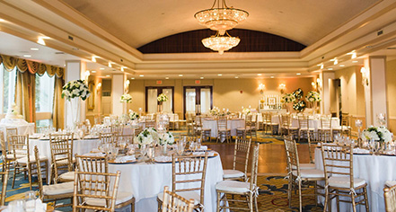 Weddings:      Water's Edge Resort and Spa  in Westbrook