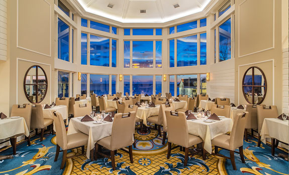 Water's Edge Resort and Spa  - Dining