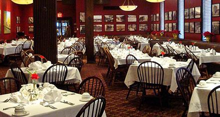 Dining at      Penn Wells Hotel  in Wellsboro