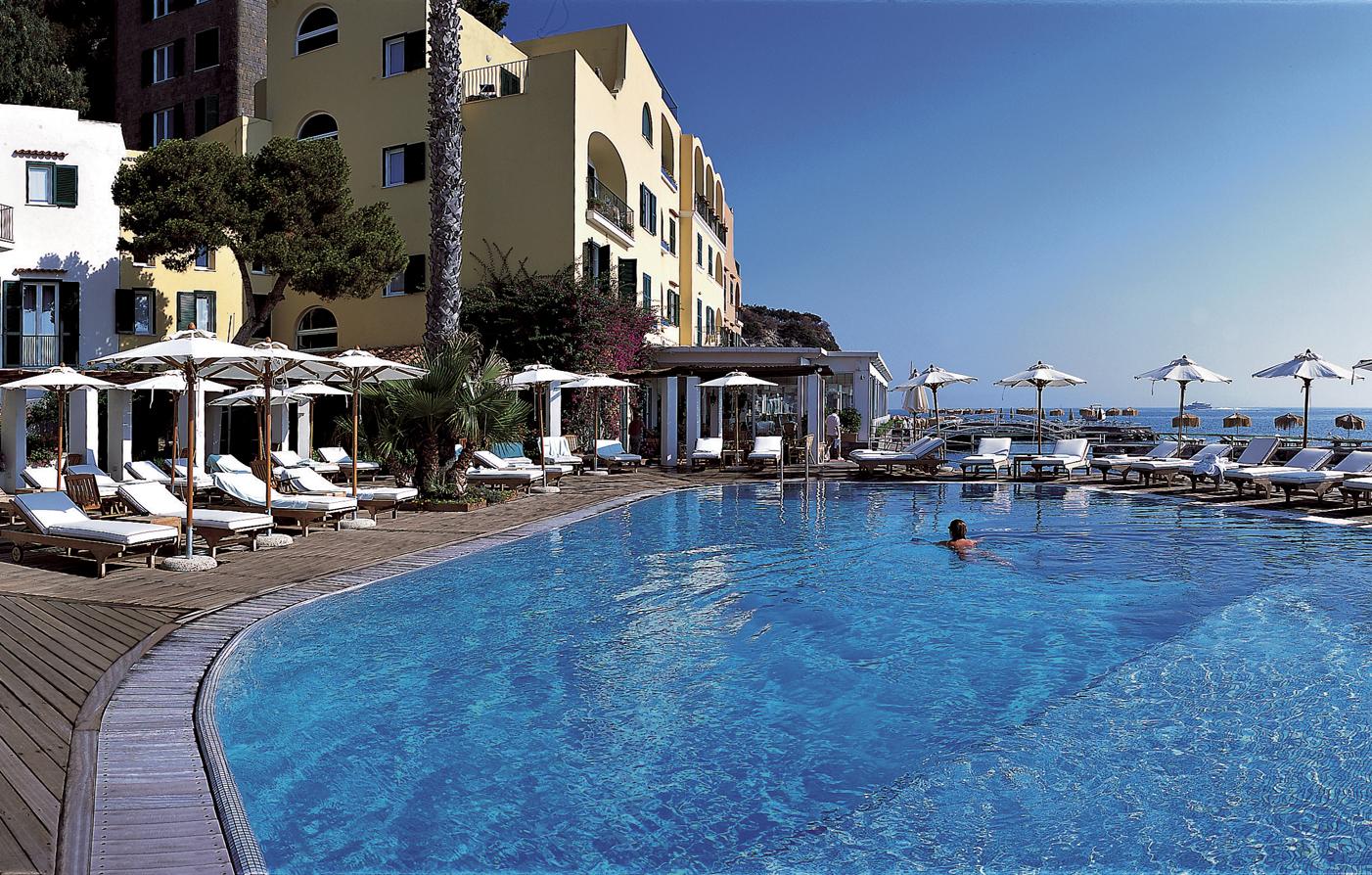 Ischia island attractions l 39 albergo della regina for L hotel della cabina islanda