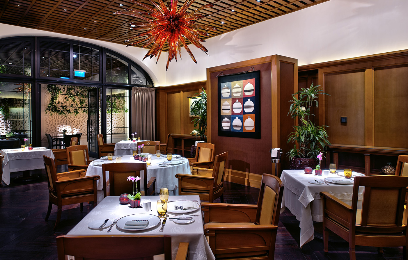 Hotel bars restaurants in istanbul turkey divan istanbul for Divan turkish