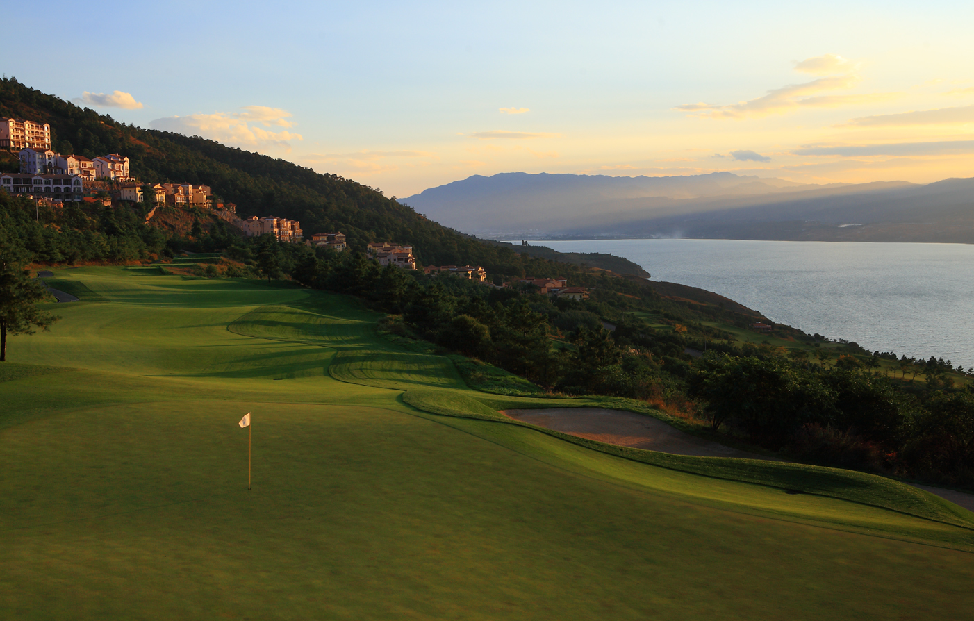 Activities:      Spring City Golf & Lake Resort  in Kunming