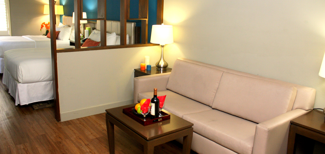 Things to do in hollywood california the blvd hotel suites for Living room 6250 hollywood blvd