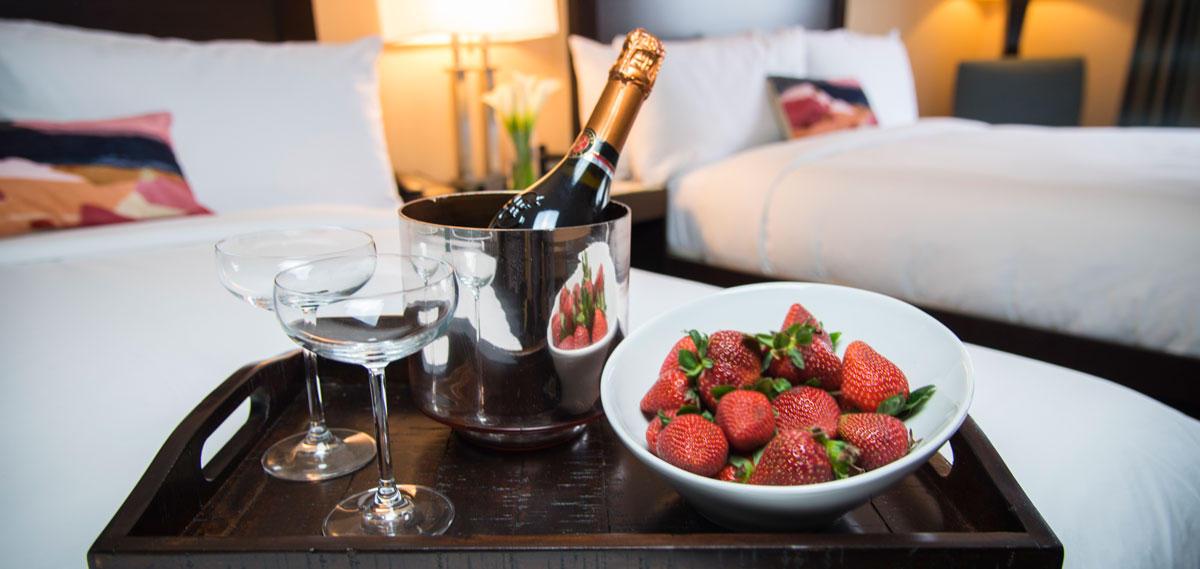 Special Offers:      The Orlando  in Los Angeles