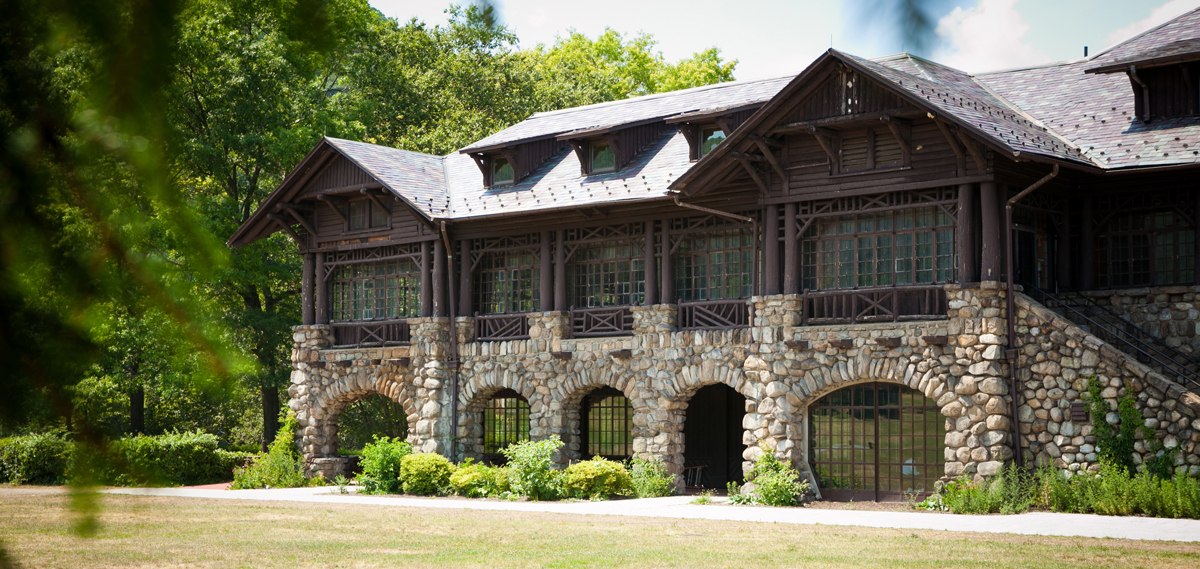 Customer Reviews:      Bear Mountain Inn  in Bear Mountain