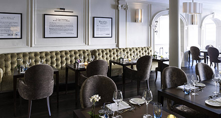 Dining at      Castle Hotel Windsor  in London
