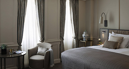 Accommodations:      Castle Hotel Windsor  in London