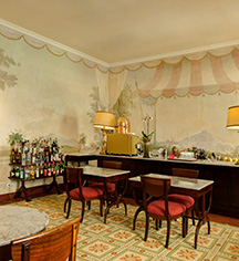 Dining at      Tivoli Palacio de Seteais  in Sintra