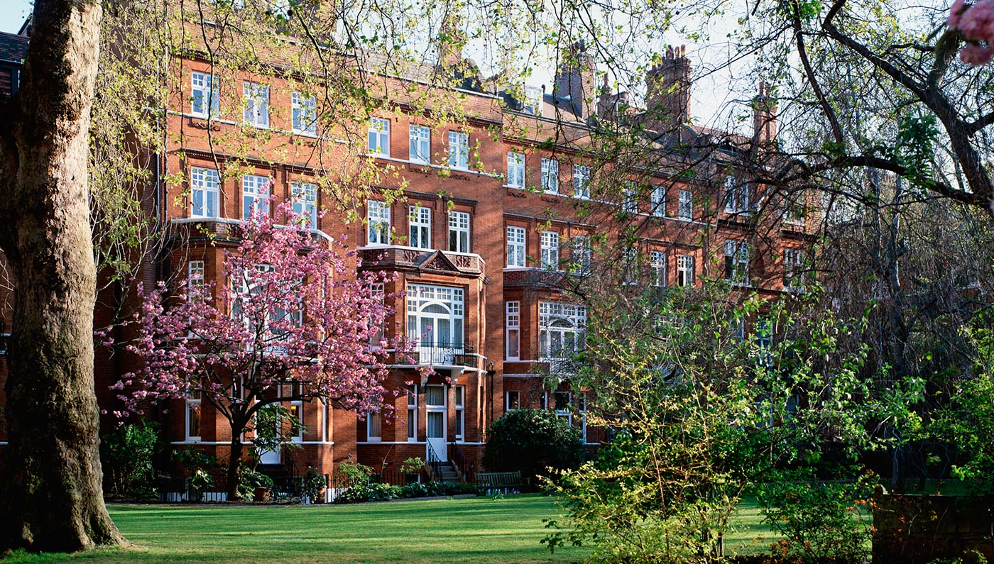 Activities:      Draycott Hotel  in London