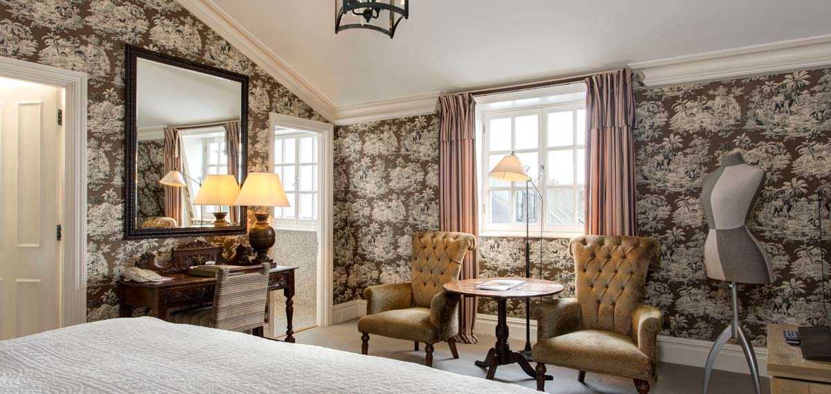 Accommodations:      The Pelham London – Starhotels Collezione  in London