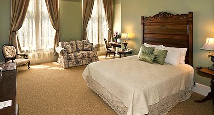 Accommodations:      Plaza Hotel 1882  in Las Vegas