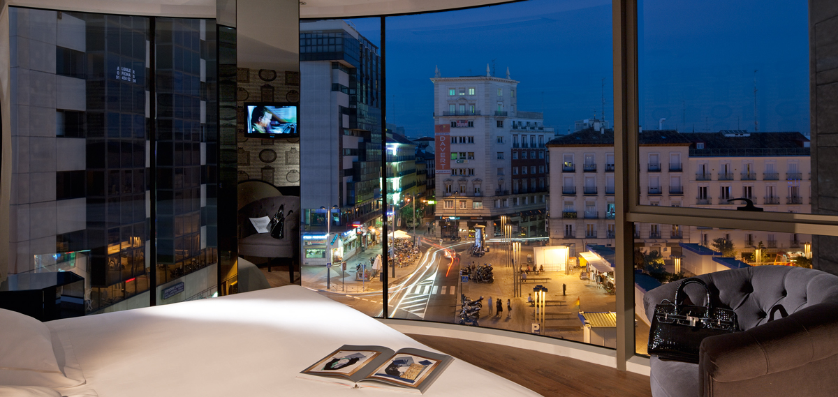 Accommodations:      Hotel Santo Domingo  in Madrid