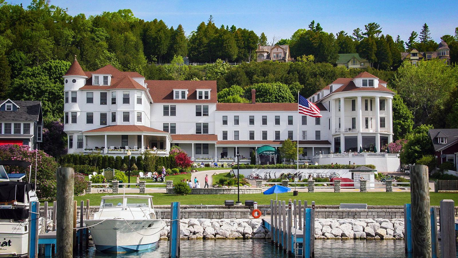 Island House Hotel