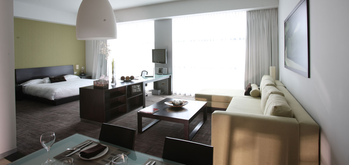 Accommodations:      Stadia Suites Santa Fe  in Mexico City