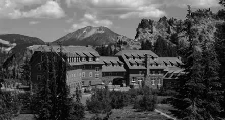 History Crater Lake Lodge In White