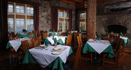 Dining at      Crater Lake Lodge  in White City