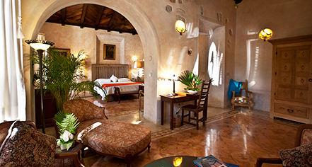 Accommodations:      Hacienda Xcanatún  in Merida
